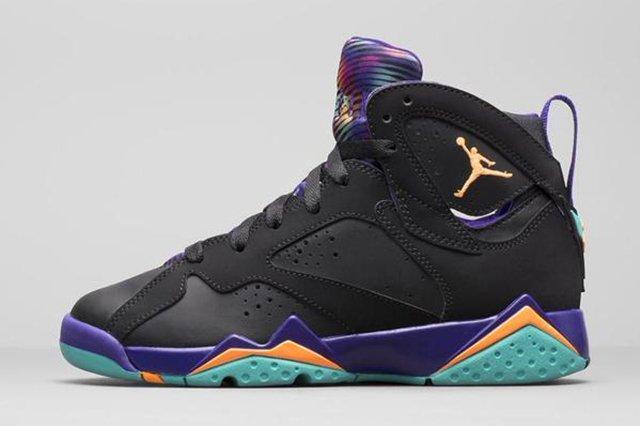 Air Jordan 7 Court Purple 31