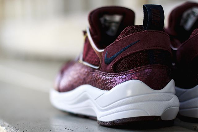 Nike Air Hu Burg 3