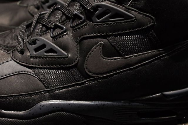 Nike Trainer Triple Black 4