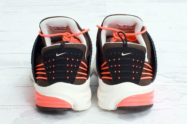 Nike Lunar Presto Deep Smoke Total Crimson Heels 1
