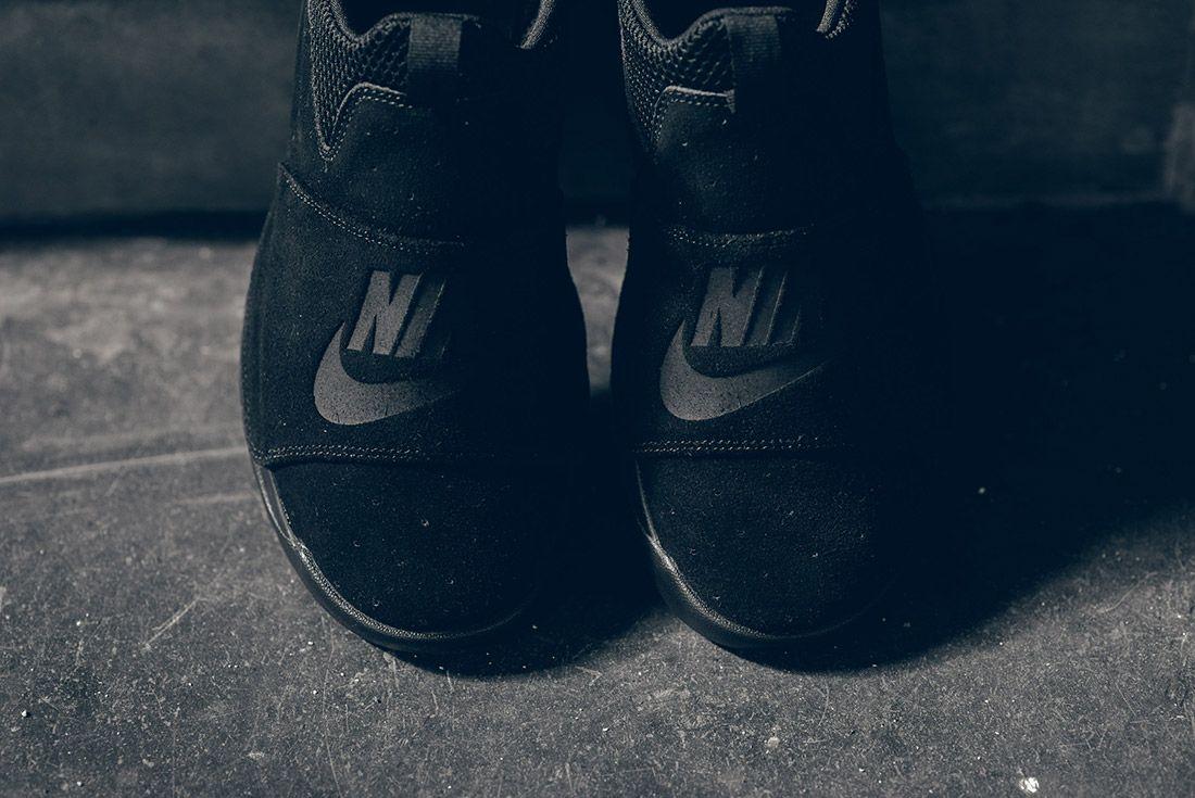 Nike Benassi Slp Triple Black 3