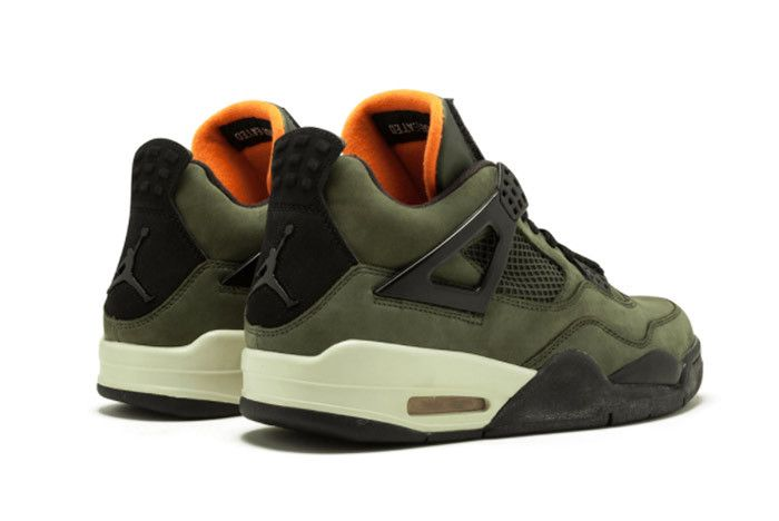 Air Jordan 4 Undefeated 3