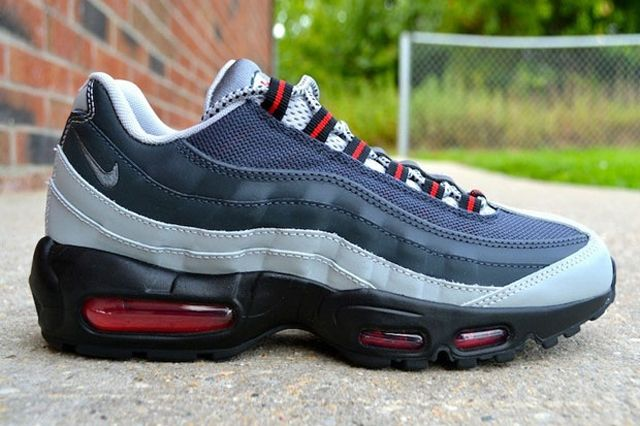 Nike Air Max 95 Anthracite Silver Red 1