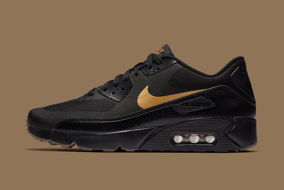 Nike Black Gold Pack 9