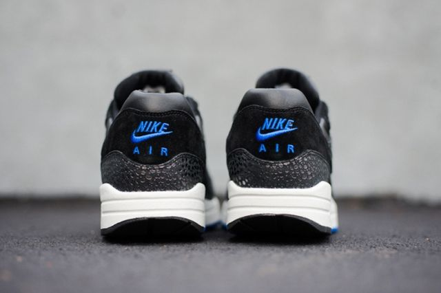 Nike Am1 Deluxe Hyper Cobalt Safari Bump 1