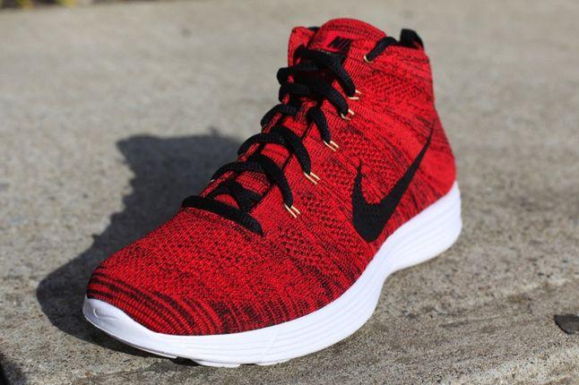 Nike Flyknit Chukka University Red Quater Front 1