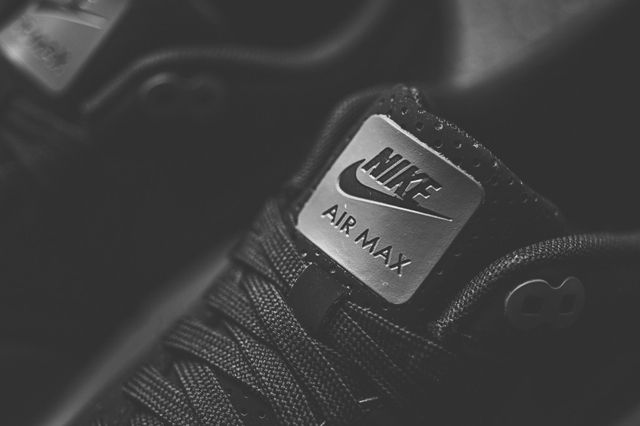 Nike Air Max 1 Ultra Moire Black Dark Grey 2