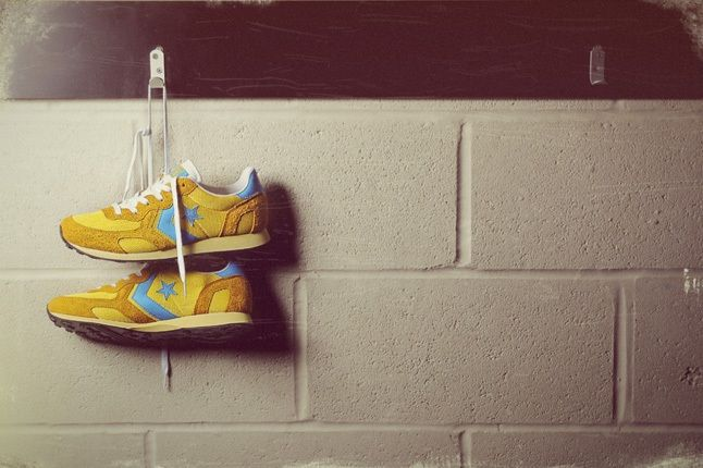 Converse Auckland Racer Size Exclusive Yellow Hanging 1