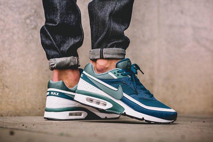 Nike Air Max Bw Marina Blue On Feet 1