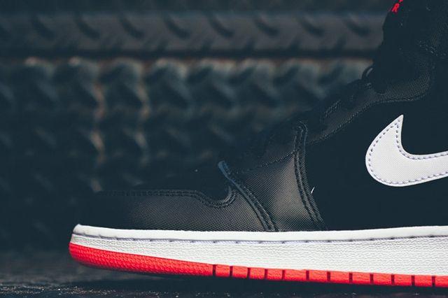 Air Jordan 1 Black Hot Lava 1