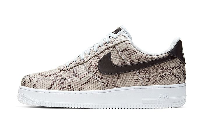 Nike Air Force 1 Low Premium Snakeskin White Black Pure Platinum Bq4424 100 Release Date Lateral