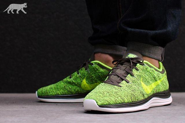 Nike Lunar Flyknit1 Green Tarp Volt 4