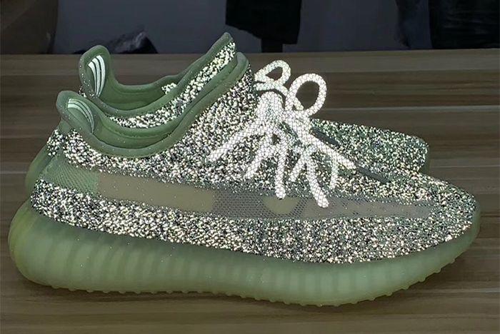 Yeezreel Adidas Yeezy Boost 350 V2 Reflect Right