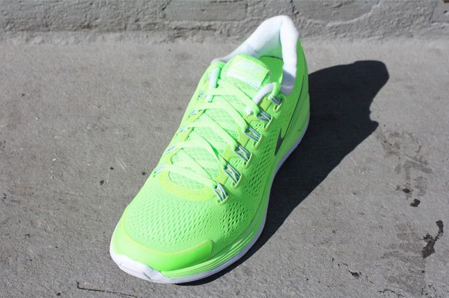 Nike Lunarglide 4 Electric Green Quater Front 1