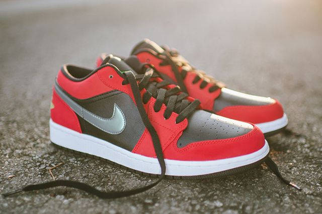 Air Jordan 1 Low Blackgym Redgreen Pulse2
