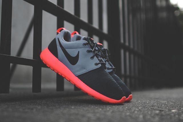 Nike Roshe Run Magnet Grey Mango 1