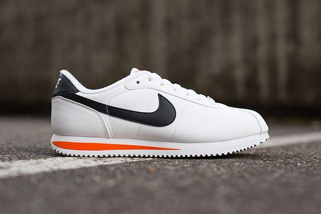 Nike Cortez Basic Leather White Wlack Orange1