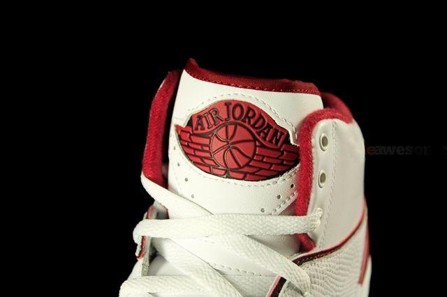 Air Jordan 2 White Varsity Red 7