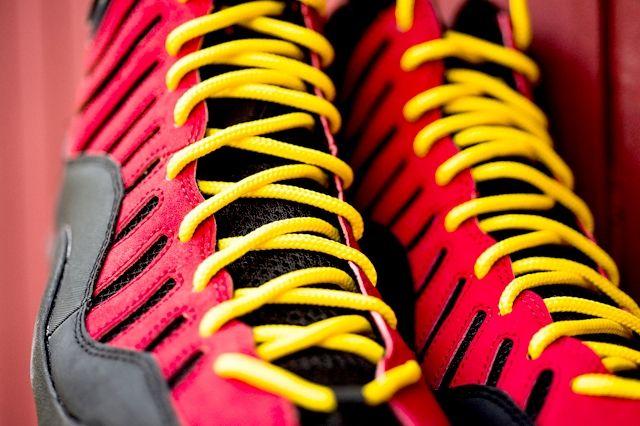 Nike Air Bakin Og Varisty Red Orange Blaze 2