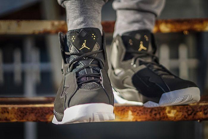 Air Jordan True Flight Black 1