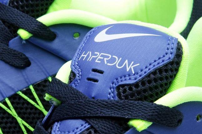 Nike Hyperdunk Low Hyperblue Elecgreen Tongue Detail 1