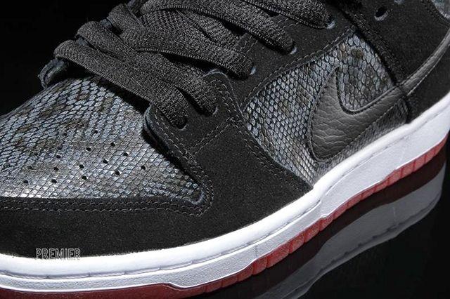 Nike Sb Dunk Low Snake Eyes 3