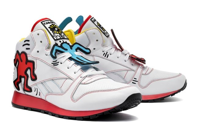Reebok Keith Haring Classic Leather Mid Lux Angle 1