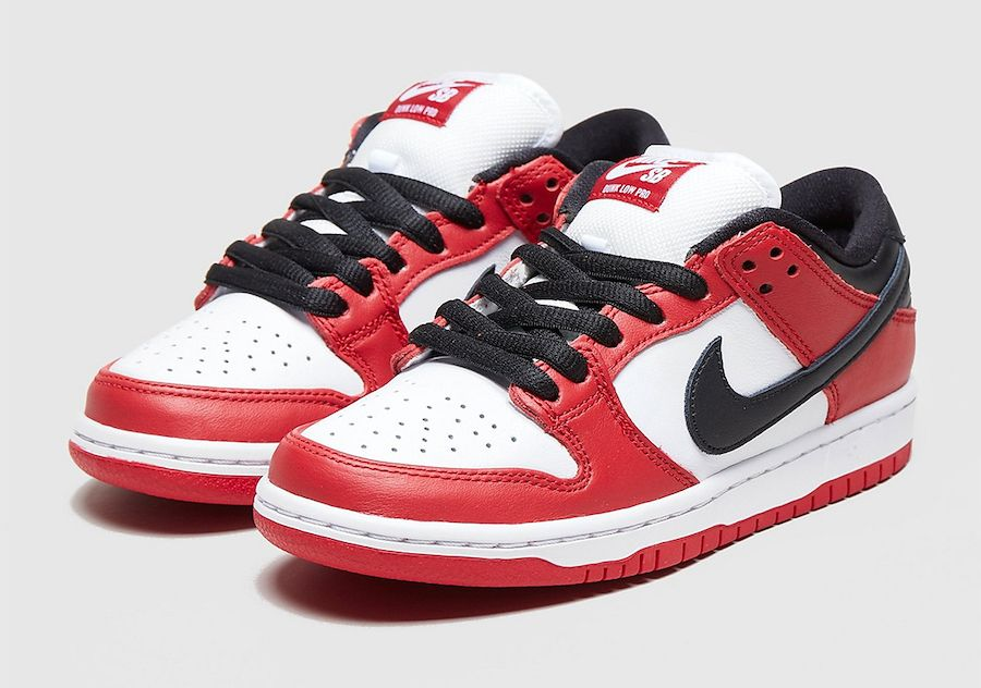 Nike SB Dunk Low Chicago Angled