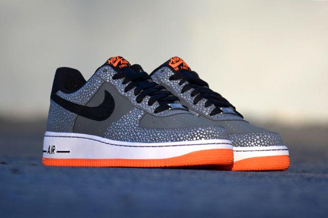 Nike Air Force 1 Safari 11