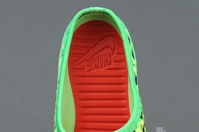 Nike Solarsoft Mule Woven Poison Green Black Insole 1