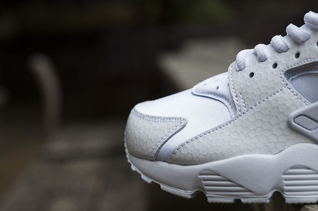 Nike Wmns White Ice Pack 1