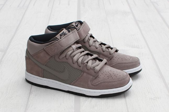 Nike Sb Dunk Mid Pro Sport Outer Pair 1