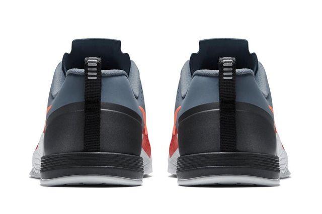 Nike Metcon 1 Daring Red 2