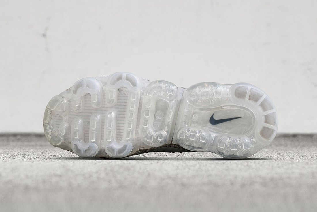 Nike Air Vapor Max Pale Grey2