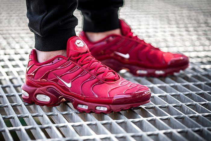 Nike Air Max Plus Pepper Red 2