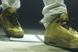 Thumb Drake Air Jordan 3 Gold 11