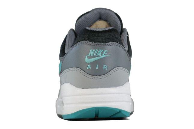 Nike Am1 Gs Sport Turquoise Heel Profile 1