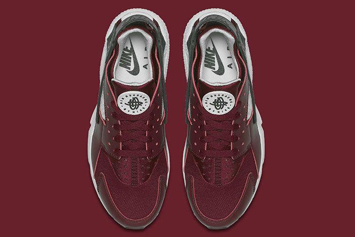 Nike Air Huarache Team Red 5