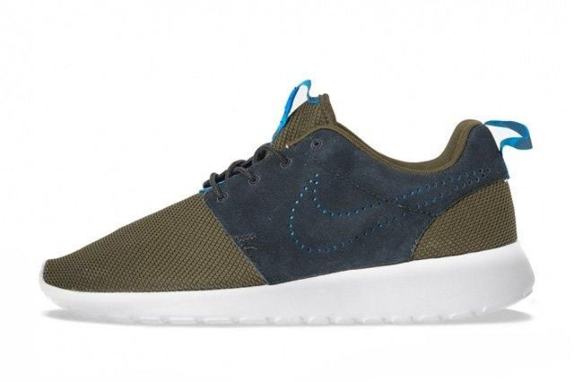 Nike Roshe Run Perf Swoosh Pack 2