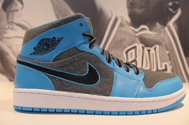 Air Jordan 1 Blue Felt