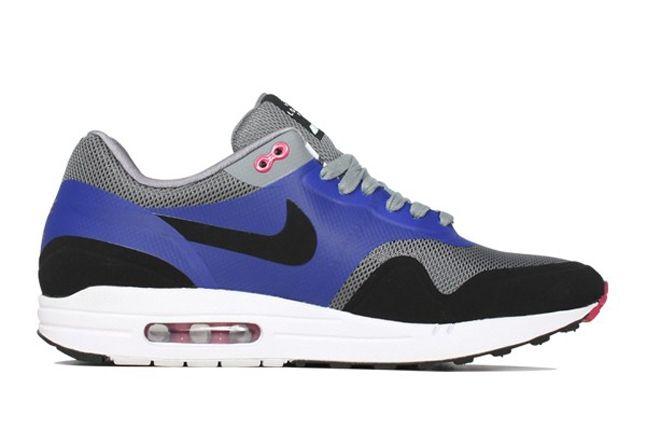 Nike Airmax1 Hometurf London Profile 1