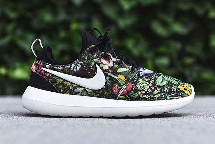 Nike Roshe Two Womens Floral 3