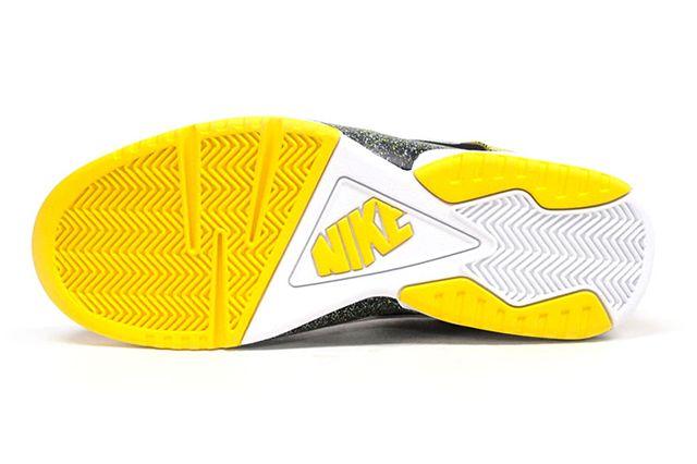 Nike Air Tech Challenge Huarache Og Black Tour Yellow 5