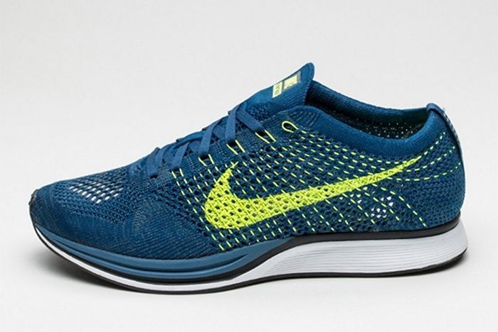 Nike Flyknit Racer Brave Blue Volt 1