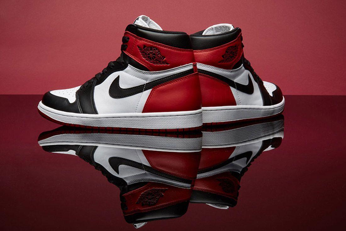 Air Jordan 1 Black Toe 4