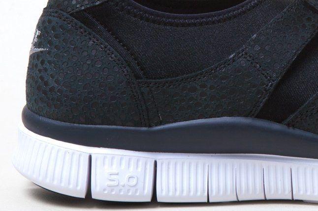Nike Free Sockracer Blk Heel Details 1