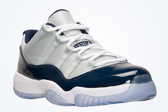Air Jordan 11 Low Georgetown Hoyas 6