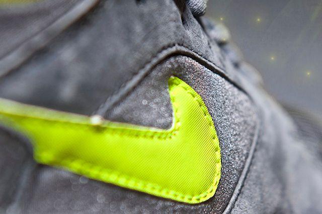 Nike Air Max 93 Volt 2