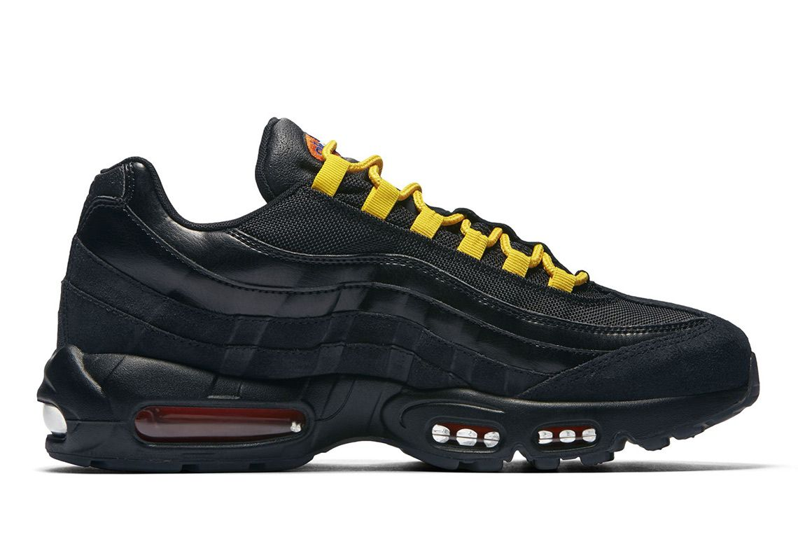 Nike Air Max 95 LA vs NYC Right