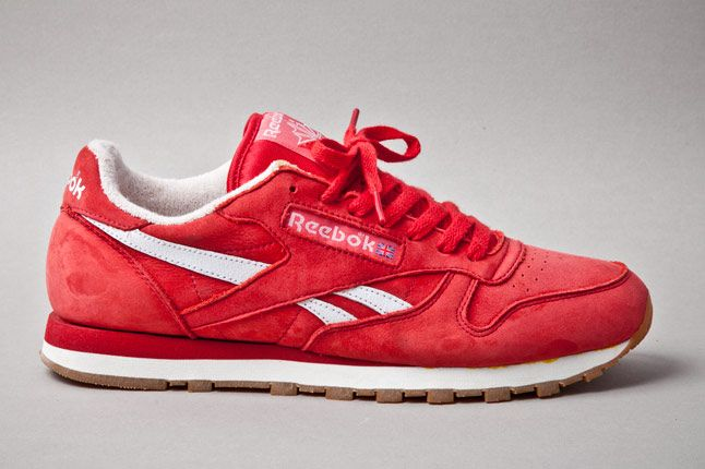 Reebok Classic Leather Vintage Union Red Profile 1